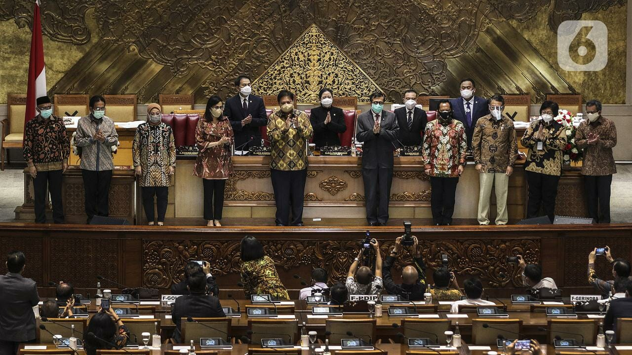 UU Cipta Kerja Ditandatangani Jokowi
